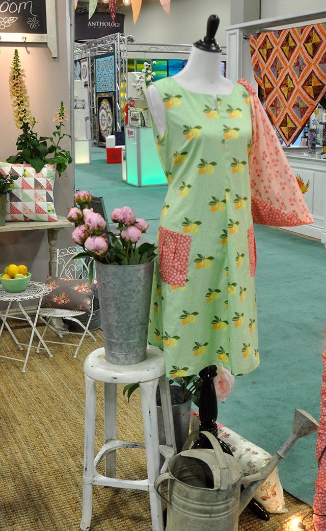 Bloom Organic Fabric by Monaluna